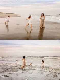 Best Beach Photography : family-plays-in-surf-photos-by-international-award-winning-photographer-melissa- Sunset Family Photos, Family Beach Session, Family Beach Portraits, Family Beach Pictures, Beach Sessions, Beach Photos, Family Pics, Beach Photography, Family Photography