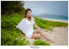 www.rightframe.net – Oahu Senior photography at Waimanalo Beach, Honolulu, Hawaii, portrait, portraits, ideas, idea, waikiki, hawaiian , photo, pictures, photos, pose, poses, posing, session, fun, seniors, High school, college, graduation, Lanikai, Bellows, girl, girls,