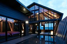~ Villa SSK by Takeshi Hirobe Architects  southern Kantō region of Japan #genius #architecture #japan