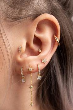 Pretty Ear Piercings, Ear Peircings, Tragus Piercing Earrings, Different Ear Piercings, Ear Jewelry, Cute Jewelry, Body Jewelry, Accesorios Casual, Cute Earrings