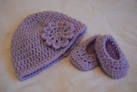 FREE Crochet Patterns: Free Crochet Pattern for Baby Hat and Baby Booties(easy)