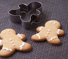 Biscuits bonshommes de Noël en pain d'épices - Recettes de cuisine Ôdélices