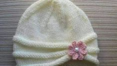 Knitting Pattern Girls Hat with Rolled Brim and a Flower in sizes months and years - Stirnband stricken Baby Hats Knitting, Easy Knitting, Knitting Patterns Free, Knitted Hats, Crochet Patterns, Kids Knitting, Hat Patterns, Knitted Dolls, Knitting Stitches