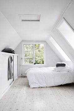 Marvelous Attic bathroom lighting ideas,Attic bedroom design and Attic renovation brisbane.