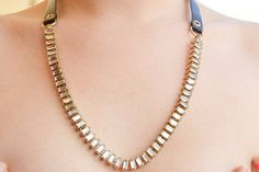 collar vendimia con cristales blancos por Limbhad en Etsy