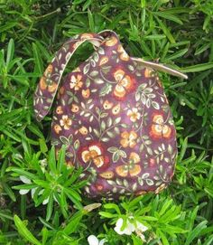 Small Japanese Knot Bag.  Made by Daisychain Quilter.