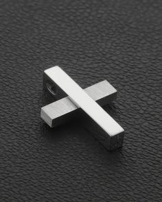 Χειροποίητος Σταυρός Λευκόχρυσος Κ18 Baby Boy Baptism, Silver Man, Cross Pendant, Christening, Mens Fashion, Crosses, Prince, Accessories, Jewelry