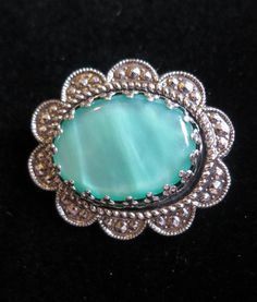 Vintage 1970's mint green stone silver tone flower brooch faux marcasite (5554)