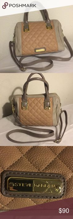 "NWOT Steve Madden Crossbody Purse Authentic Steve Madden crossbody purse in new condition! Shoulder strap is adjustable, measurements are 9"" x 10.5"" with the handle drop of 5"" Steve Madden Bags Crossbody Bags"