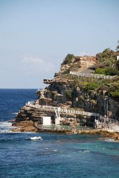 Bondi to Coogee Beach Coastal #Sydney #Australia - i really want to do this walk!