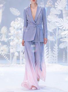 Heaven Gaia a/w : liquid sunsets Haute Couture Style, Couture Mode, Couture Fashion, Dope Fashion, High Fashion, Fashion Show, Fashion Outfits, Fashion Design, Pretty Outfits