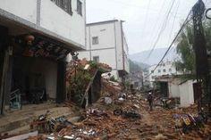 Suman 381 muertos por terremoto en China