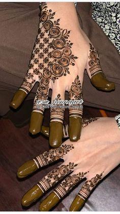Khafif Mehndi Design, Rose Mehndi Designs, Arabic Henna Designs, Mehndi Design Photos, Unique Mehndi Designs, Beautiful Henna Designs, Mehndi Images, Mehndi Designs For Hands, Traditional Tattoo Black And Grey