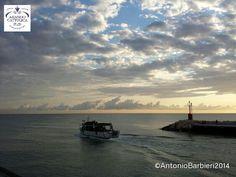 Twitter / turismoER: L'alba sul PortoCanale di Gabicce Mare - Foto di Antonio Barbieri