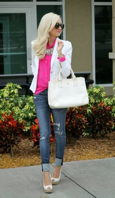Hot pink shirt, jeans and white blazer White Blazer Outfits, Casual Outfits, Cute Outfits, Hot Pink Shirt Outfit, White Jacket Outfit, White Blazers, Blouse Outfit, White Shirts, Look Fashion