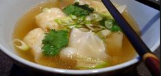 Recette : Soupe won-ton. Mets, Spring Rolls, Tupperware, Dumplings, Ethnic Recipes, Food, Cream Soups, Healthy Soup, Chinese