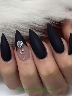 Stiletto nails continue to be a cool nail shape. Also known as pointy nails or claw nails, stiletto shaped nails are sexy, fierce and fun to get. Black Nail Designs, Simple Nail Designs, Acrylic Nail Designs, Nail Art Designs, Acrylic Nails, Cute Nails, Pretty Nails, Black Stiletto Nails, Black And Purple Nails