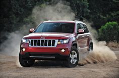 Five Tips for Off-roading on Sand in your Jeep. Jeep Wk, Jeep Dodge, Jeep Cars, 2010 Jeep Grand Cherokee, Cherokee Srt8, Cherokee Laredo, Latest Bmw, Jeep Brand, 2013 Jeep