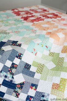 Quilty Love | Ombre Gems Quilt _ The bonnie and camille one | http://www.quiltylove.com
