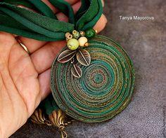 Купить кулон из полимерной глины волшебный плод в зеленый тонах - тёмно-зелёный, золотой, коричневый