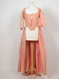 Gown National Trust Inventory Number 1360754 Date1770 - 1780 MaterialsSilk CollectionKillerton, Devon (Accredited Museum)