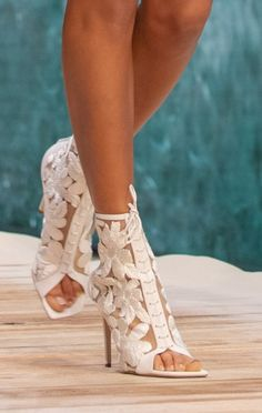 High Heel Sneakers, Sneaker Heels, High Heels, Spring Shoes, Summer Shoes, Ralph And Russo Shoes, Edgy Shoes, Runway Shoes, Fashion Show