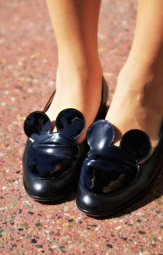 For Light and Fresh Look. 37 Adorable Street Style Shoes Looks For Your Wardrobe This Summer – Top 10 Shoes Fall Fashion Style. For Light and Fresh Look. Fall Shoes, Summer Shoes, Cute Shoes, Me Too Shoes, Top 10 Shoes, Street Style Shoes, Disney Style, Hippie Chic, Shoe Collection