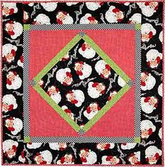 Minnies Luncheon Cloth Here Comes Santa Claus Quilt by Tricia Cribbs www.TurningTwenty.com