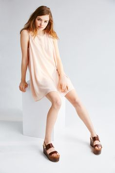 pale colors for spring, minimal, classic look
