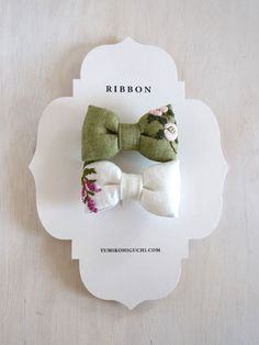 yumiko higuchi's flower ribbon brooch - love these embroidered bows