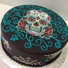 Happy Birthday Skulls, Halloween Birthday Cakes, 18th Birthday Cake, Halloween Food For Party, Happy Halloween, Sugar Skull Cakes, Sugar Skulls, Bolo Neon, Pasteles Halloween
