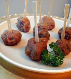 Tangy Apple BBQ Cocktail Meatballs by Paleo Girl's Kitchen Paleo Recipes, Real Food Recipes, Cooking Recipes, Paleo Meals, Paleo Food, Healthy Meals, Healthy Eating, Appetizers For Party, Appetizer Recipes