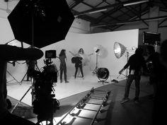 Backstage Lines - Scena realizzata presso limbo cyclorama e sala Posa Lumina Sense art lab a Roma