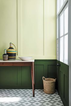 Manchester based Little Greene Paint company are soon to launch a collection of greens in association with The National trust. The 31 colours, 20 of which have been derived from important national Trust properties such as… Peinture Little Greene, Little Greene Paint, Hallway Paint Colors, Green Paint Colors, Küchen Design, House Design, Best Interior Design Apps, Decoration Palette, Painting Wallpaper