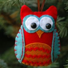 Felt owl ornament. Hand sewn! Cher----this is for u!