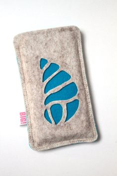 Felt cell phone cover made to fit your Iphone or any other smartphone - Aqua SHELL. €17,50, via Etsy.