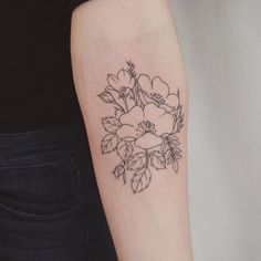 Wildflower bundle: lisianthus, oats and wild roses for @laurencbridle #flowertattoos