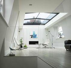 Chambre de toit moderne avec vue