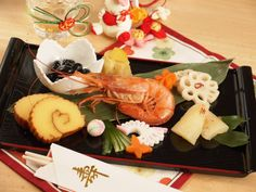 New Year's Food, Food N, Food And Drink, Japanese New Year Food, Steamed Buns, Home Recipes, Sushi, Goodies, Dishes