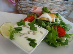 Czary w kuchni- prosto, smacznie, spektakularnie.: Sałatka z jogurtem naturalnym… Plastic Cutting Board, Salads, Meat, Chicken, Food, Beef, Meal, Essen, Hoods