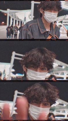 200118 airport V Kim Taehyung Tae boyfriend lockscreen wallpaper Cr. ATOZ_V Taehyung Selca, Bts Jungkook, Daegu, Foto Bts, V Bts Cute, Images Gif, V Bts Wallpaper, Twitter Bts, Bts Aesthetic Pictures