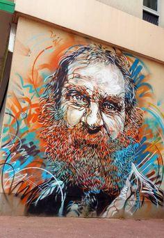 Portrait peint au pochoir par Christian Guemy, alias C215, fin juillet à Paris sur un mur de l'avenue de Choisy dans le13e arrondissement. . …