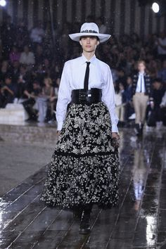 Dior Shows Cruise Collection Inspired by Female Mexican Rodeo Riders in the Pouring Rain Mexican Rodeo, Rodeo Rider, Christian Dior Couture, Cruise Collection, Style Inspiration, Female, Model, How To Wear, Fashion Design