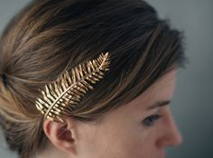 Sword Fern Hair Comb- Botanical Hair Accessory in Polished Brass, Bronze, or Silver Box Braids Hairstyles, Winter Hairstyles, Black Women Hairstyles, Wedding Hairstyles, Beautiful Hairstyles, Sword Fern, Box Braids Pictures, Braided Chignon, Long Box Braids