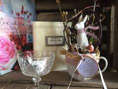 Ein Hase in der Tasse - Frühlingsdekoration von FRIJDA im Garten - Aus einer Idee wurde Leidenschaft auf DaWanda.com