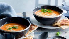 Paahdettu tomaattikeitto - Kotiliesi.fi Fondue, Ramen, Cheese, Ethnic Recipes