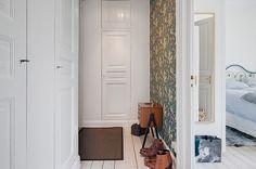 Tapetoitu eteinen Decor, Furniture, Home, Storage Cabinet, Tall Cabinet Storage, Storage