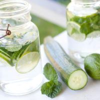 Lime, Cucumber and Mint Water Cucumber Detox Water, Cucumber Smoothie, Mint Water, Lemon Water, Water Recipes, Detox Recipes, Drink Recipes, Detox Drinks, Healthy Drinks