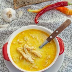 Ciorbă de burtă - Bucate Aromate Restaurant, Romanian Food, Cheeseburger Chowder, Thai Red Curry, Soup, Cooking Recipes, Ethnic Recipes, Life, Romanian Recipes