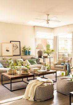 Interior Living Room Design Trends for 2019 - Interior Design Interior Design Living Room Warm, Cozy Living Rooms, Home Living Room, Apartment Living, Living Room Designs, Living Room Decor, Classic Living Room, Cozy Apartment, Apartment Interior